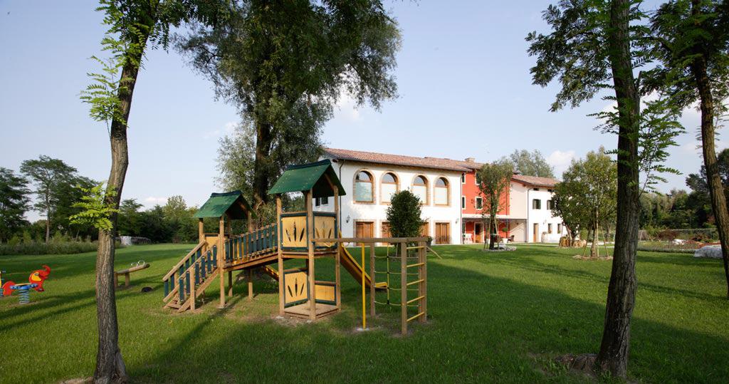 Parco-e-area-giochi-Le-Favole-Agriturismo-B&B-Sacile