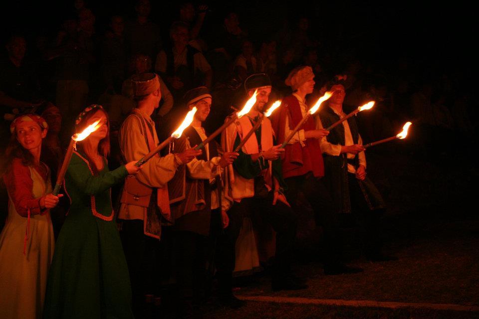 festa medievale castello di Caneva incendio della rocca