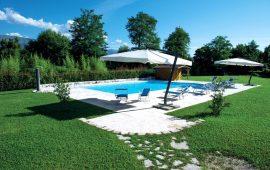 piscina esterna Le Favole agriturismo B&B Sacile Pordenone