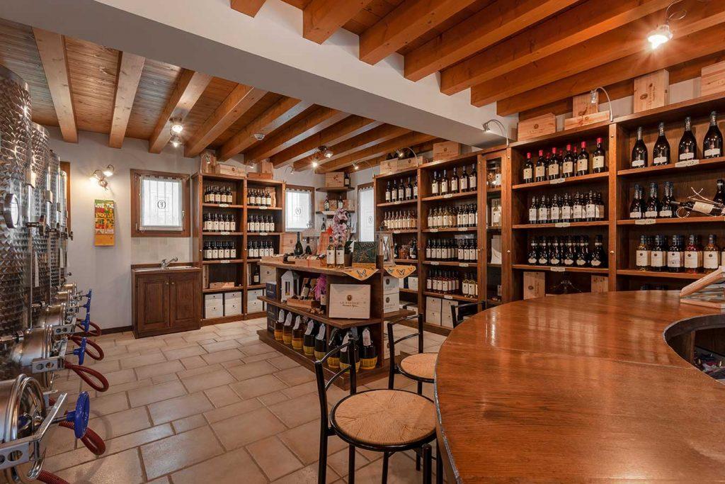 wine-shop-Le-Favoel-wines-sacile